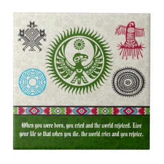 Símbolos y sabiduría - Phoenix del nativo Azulejo Cuadrado Pequeño