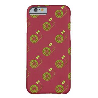 """Simpático caracol de espiral, """"Cara de Col"""", rojo Funda Para iPhone 6 Barely There"""