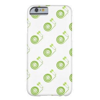 "Simpático caracol de espiral verde, ""Cara de Col"" Funda Para iPhone 6 Barely There"