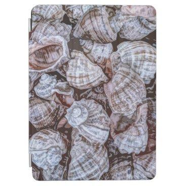 Simple Elegant Seashells Artwork   iPad Air Case