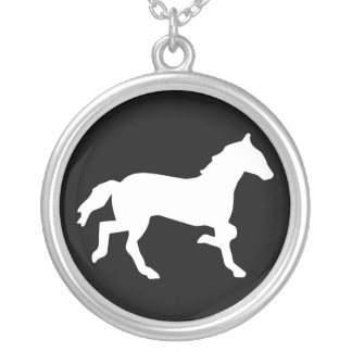 simple horse round pendant necklace
