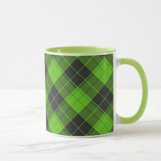 Simple tartan diagonal pattern in dark green mug