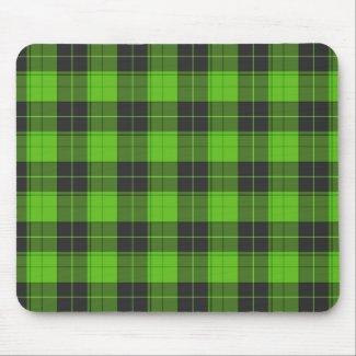 Simple tartan pattern in dark green mouse pad