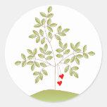 Simplemente árbol de amor etiqueta redonda