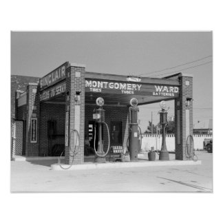 Sinclair Gas Station, 1939. Vintage Photo Poster