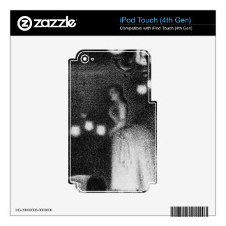 Singer by Georges Seurat iPod Touch 4G Skin
