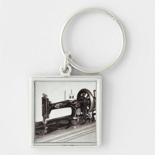 Singer 'New Family' sewing machine, 1865 Keychain