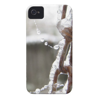 Single Chain and Pearls iPhone 4 Case