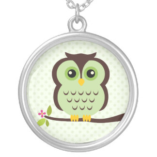 Single Green Owl Round Pendant Necklace