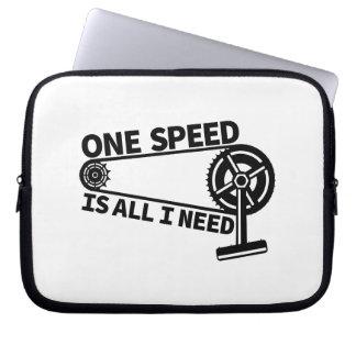Single speed / fixed gear bicycle crankset laptop sleeve