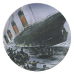 Sinking RMS Titanic Party Plates