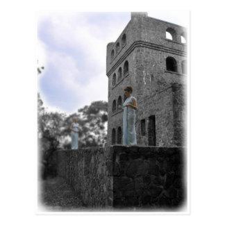 Sinos en la pared del castillo tarjetas postales