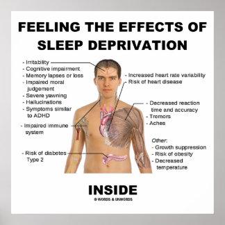 Sintiendo los efectos de la privación del sueño de póster