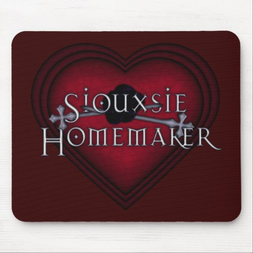 Siouxsie Homemaker Knitting (Red) Mouse Pad