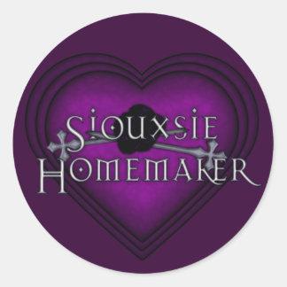 Siouxsie Homemaker Knitting (Violet) Classic Round Sticker