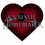 Siouxsie Homemaker Red Knitting Photo Cut Out