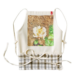 Sipping away at pollen zazzle HEART apron