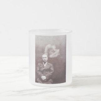 Sir Arthur Conan Doyle con el fantasma de Ada Taza De Cristal