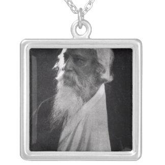 Sir Rabindranath Tagore Collar Plateado