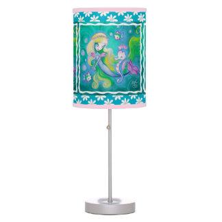 Sirena con el caballo y los pescados de mar lámpara de escritorio