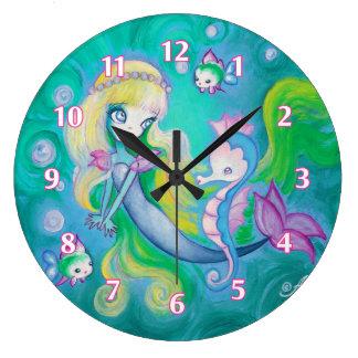 Sirena con el caballo y los pescados de mar reloj redondo grande