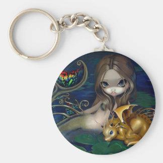 """""""Sirena con el llavero de un dragón de oro"""""""
