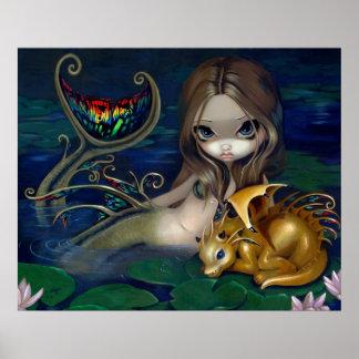 Sirena con fae de oro del dragón del arte de una f póster