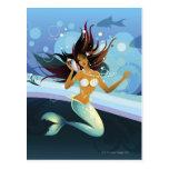 Sirena con la cáscara al oído postal