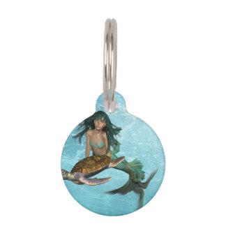 Sirena con la tortuga de mar identificador para mascotas