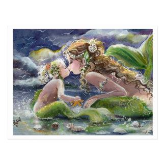 Sirena de Kissy y postal del niño