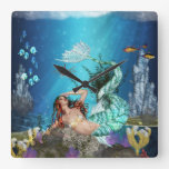 Sirena de la fantasía y reloj de pared cuadrado de