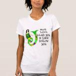 Sirena del irlandés del amor y de la suerte camiseta