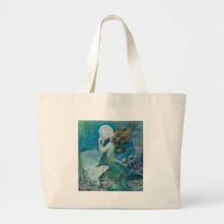 Sirena del vintage que sostiene la perla bolsa de tela grande