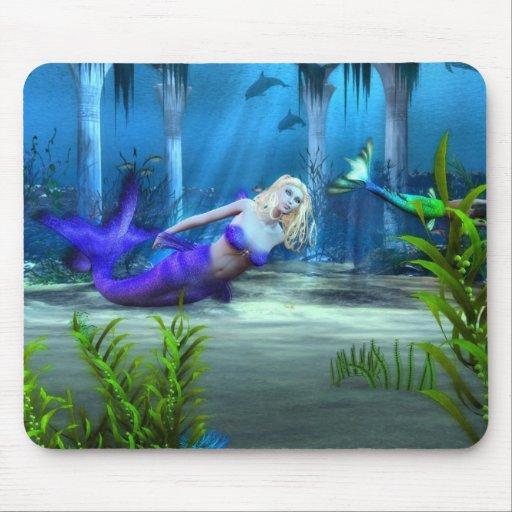 Sirena en el juego tapete de raton