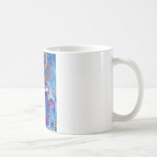 Sirena en el mar con la pintura del arte de los pá taza básica blanca