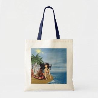 Sirena en la pequeña bolsa de asas de la playa