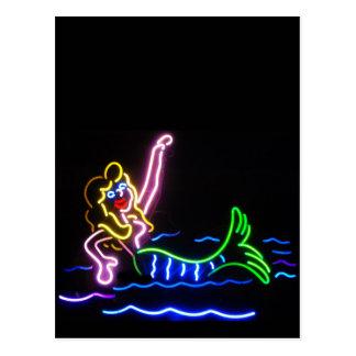 Sirena en neón postal