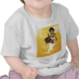 Sirena linda con los pescados divertidos camisetas
