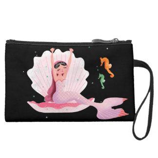 Sirena linda de bostezo con un ejemplo del