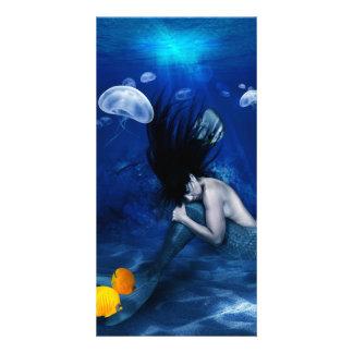 Sirena que duerme en la parte inferior del océano tarjetas fotográficas personalizadas