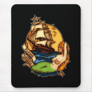 Sirena y barco pirata tapete de raton