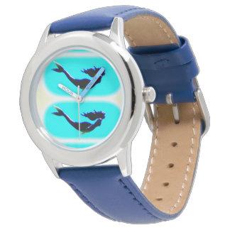 sirenas subacuáticas que nadan reloj de mano