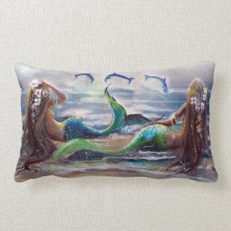 Sirenas y almohada de los delfínes