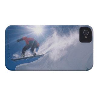 Sirva el salto de un cornince grande en una iPhone 4 protectores