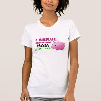 """""""Sirvo el jamón en camiseta menuda de las señoras"""