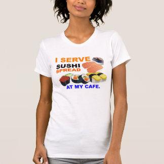 """""""Sirvo el sushi en camiseta menuda de las señoras"""