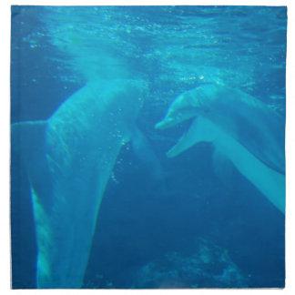 Sistema de charla de los pares del delfín de servilleta
