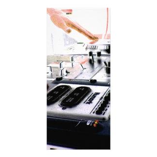 SISTEMA DE DJ TARJETA PUBLICITARIA