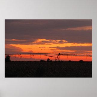 Sistema de irrigación en la puesta del sol impresiones