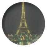 Sistema de la decoración de la torre Eiffel Platos